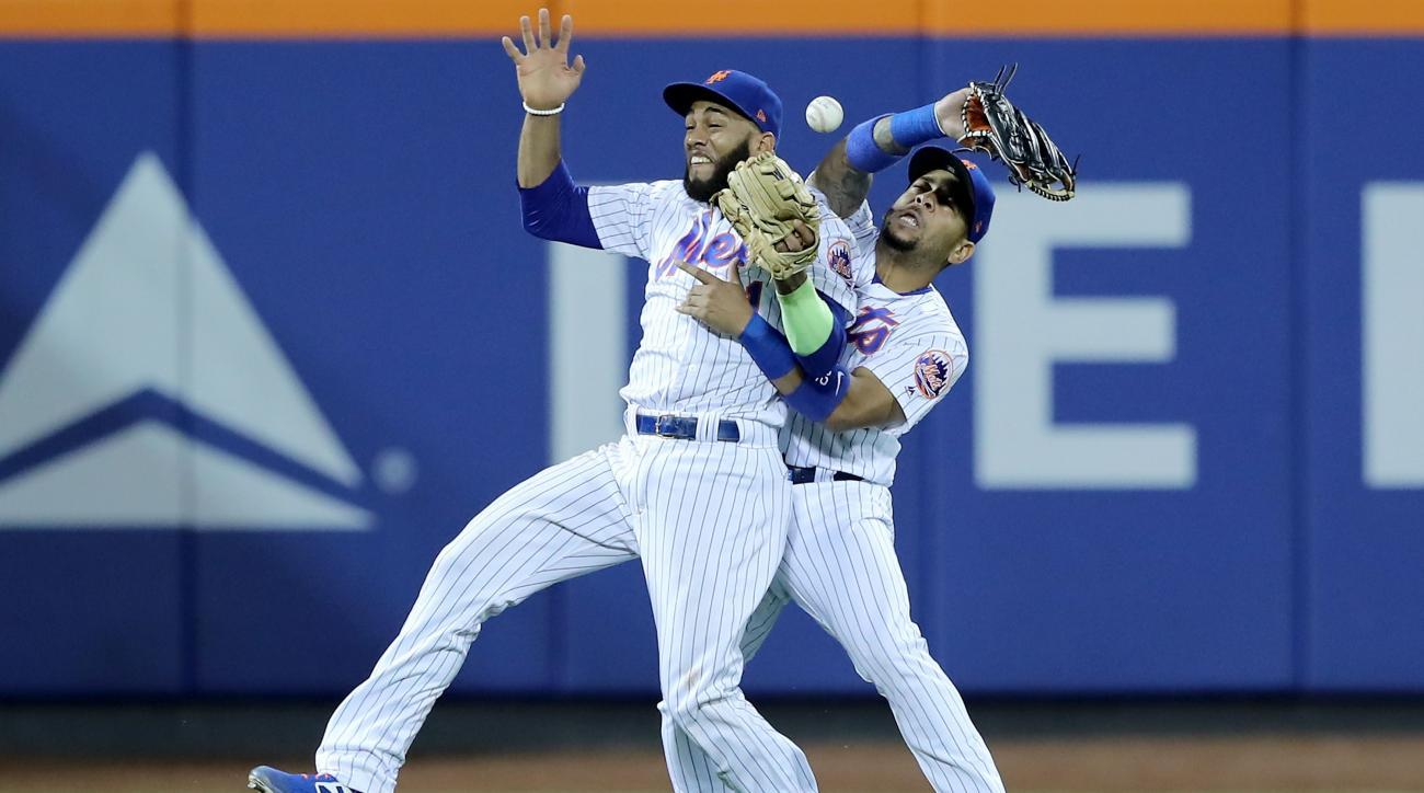 Mets error in 13th inning vs Giants