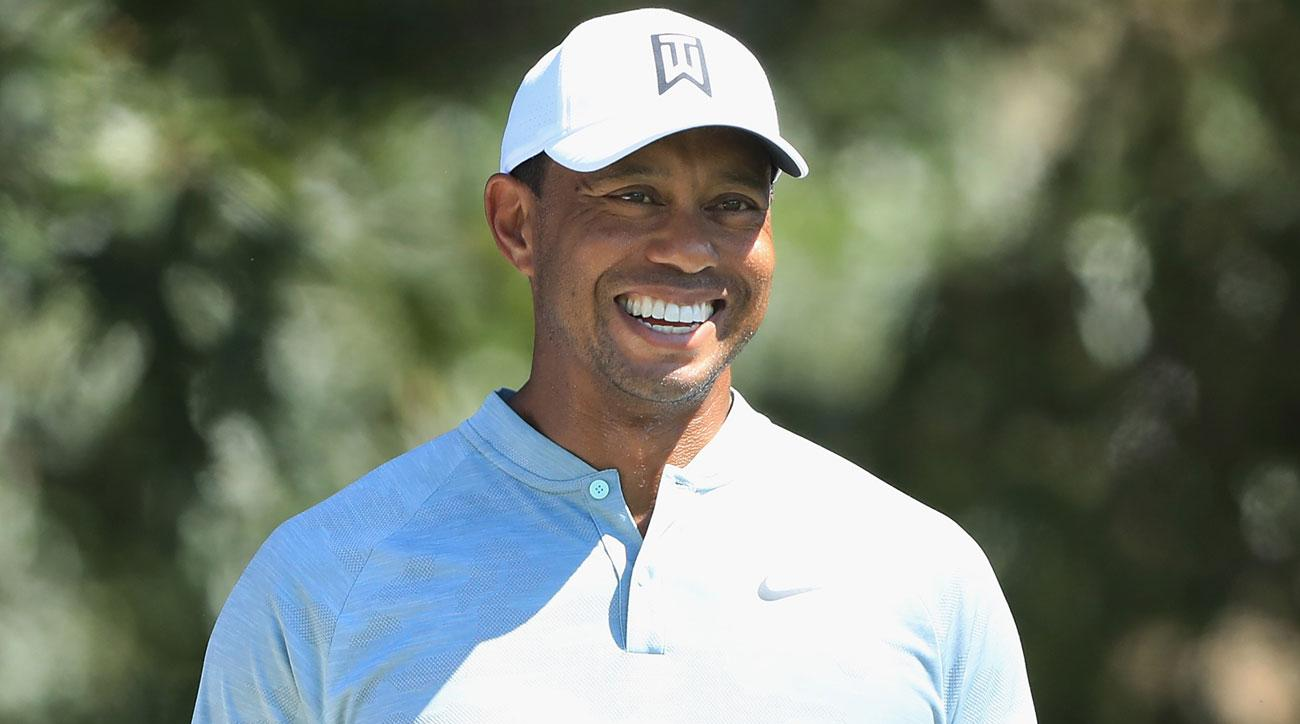 Tiger Woods leads at the Tour Championship