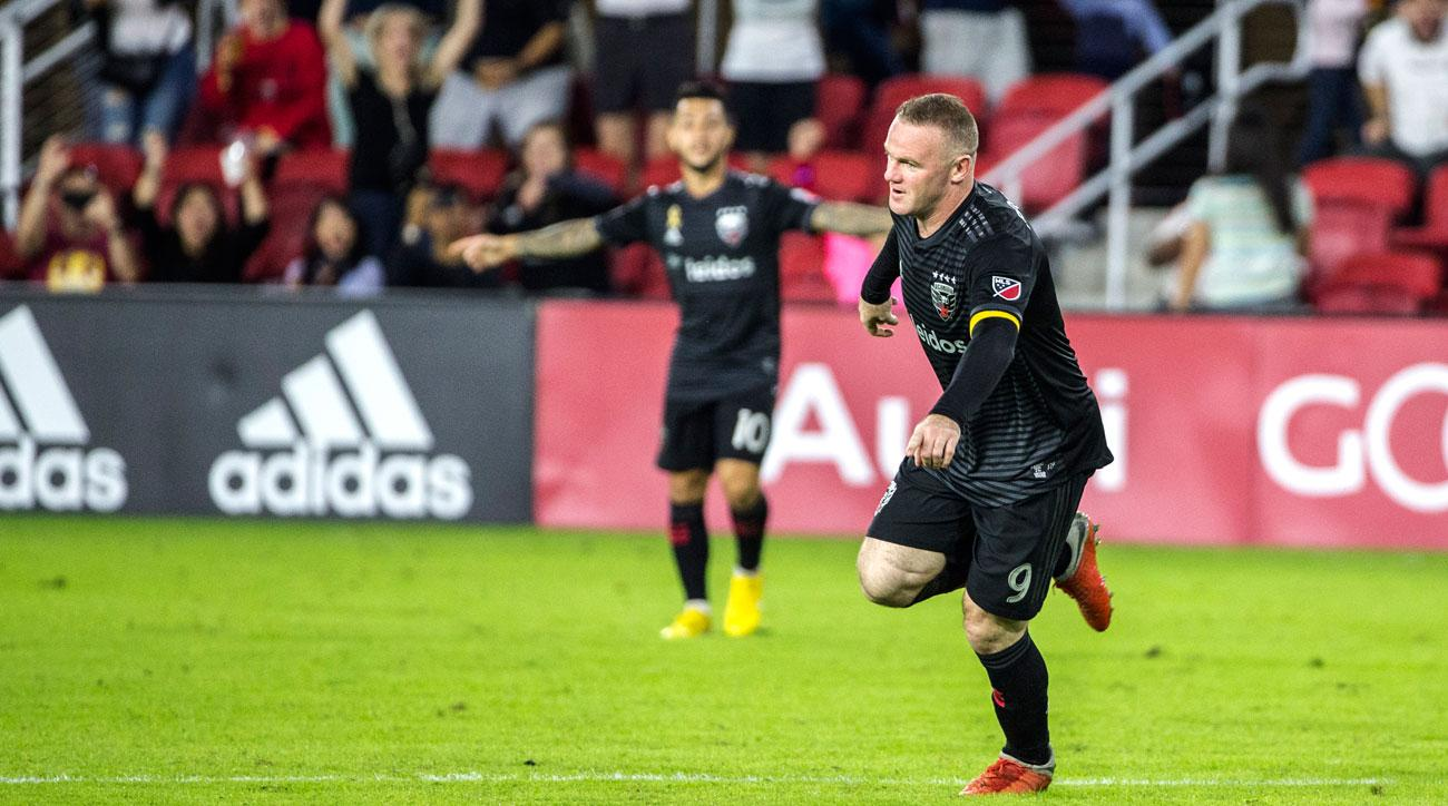 Wayne Rooney scores on a free kick for DC United