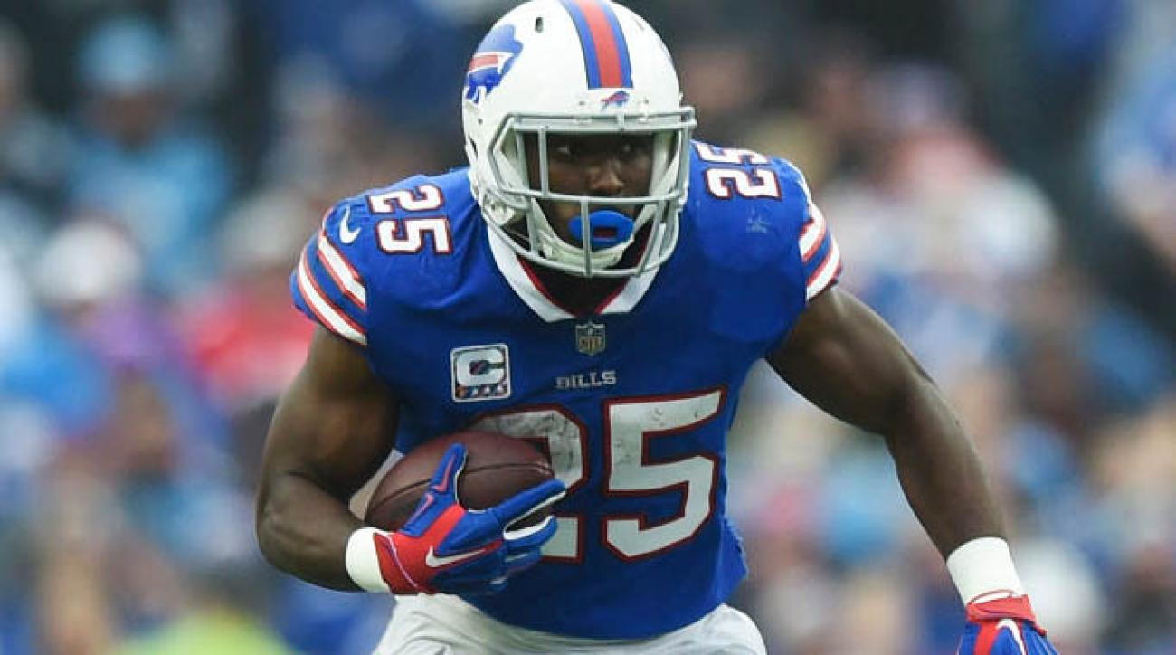 0ee44e02f97 NFL Week 7 injury news  Bills  LeSean McCoy (head) exits vs Colts ...