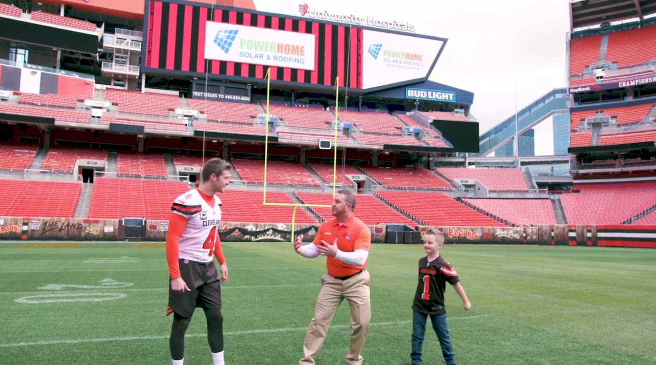 browns-commercial-dog