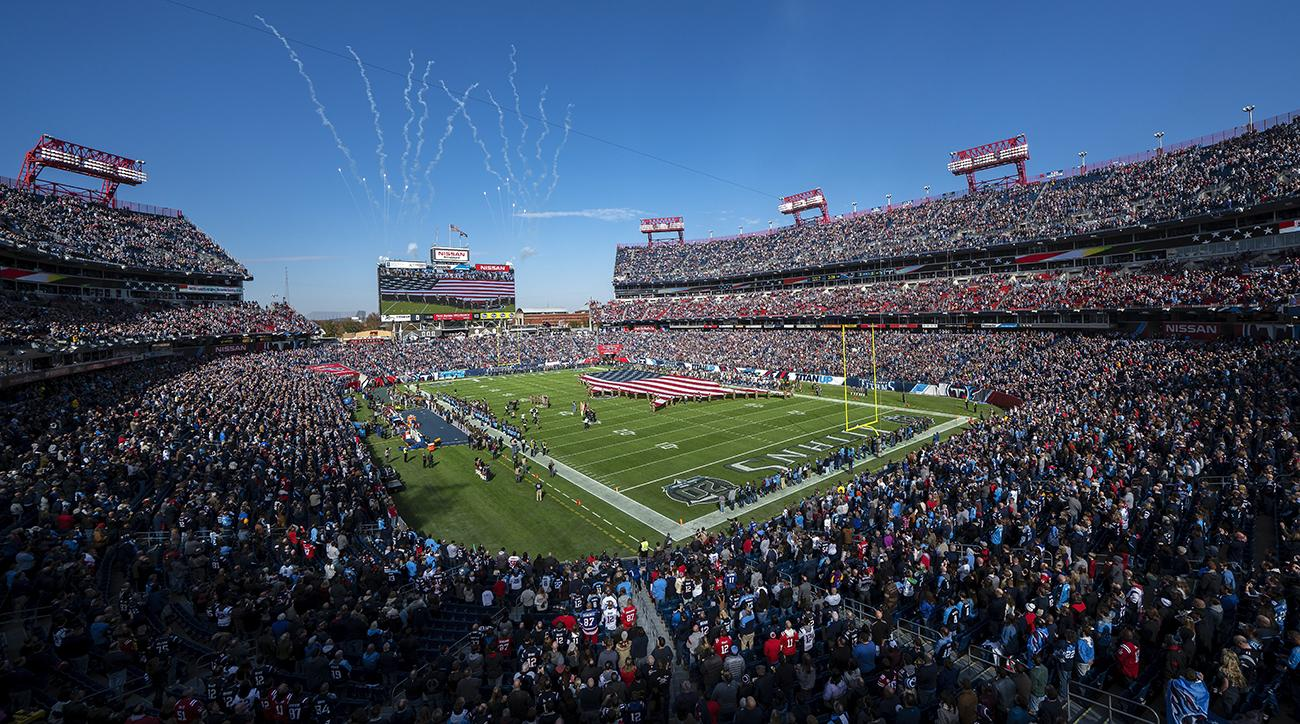 Fan falls at Nissan Stadium, Nissan Stadium, titans patriots, Tennessee Titans, new england patriots