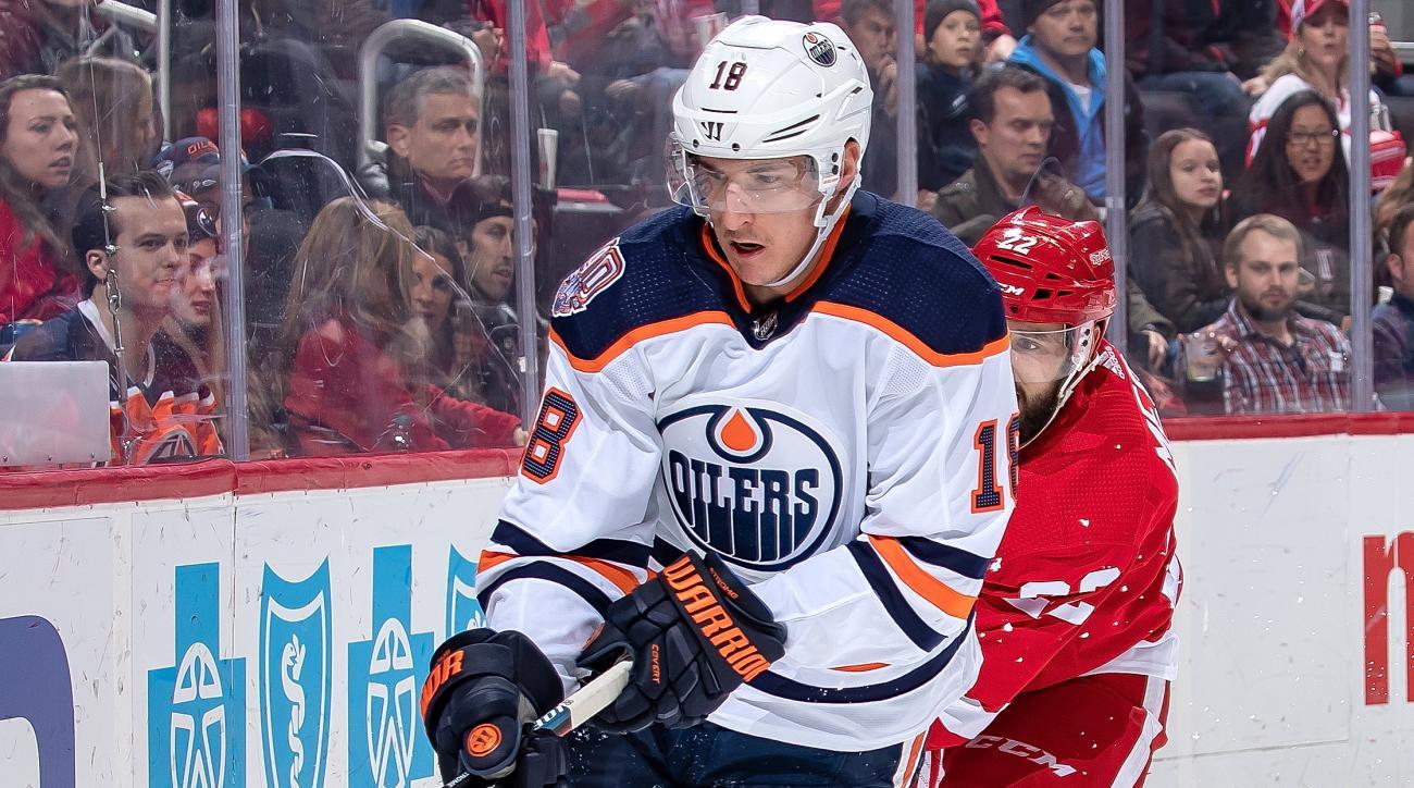 Edmonton Oilers v Detroit Red Wings