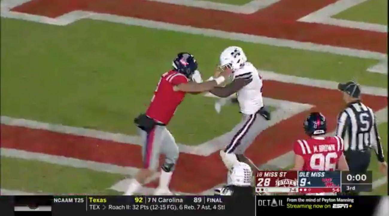Egg Bowl Fight Video Benches Clear In Mississippi State Ole Miss