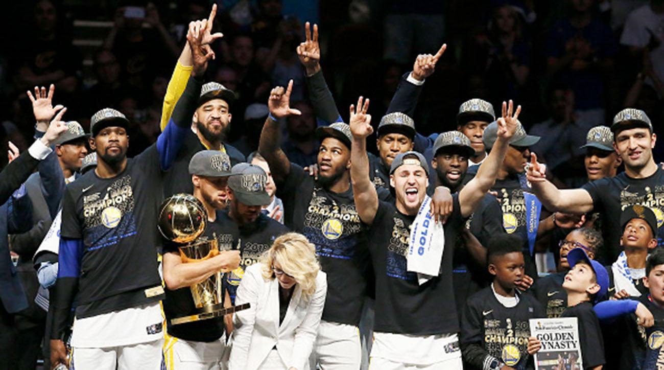 Steve Kerr reacts to Warriors SI Sportsperson of the Year award