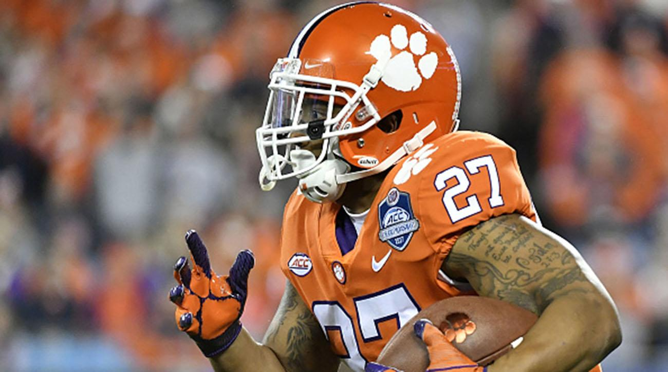 Former Clemson RB C.J. Fuller Died From Blood Clot in Lung Connected to Football-Related Knee Injury