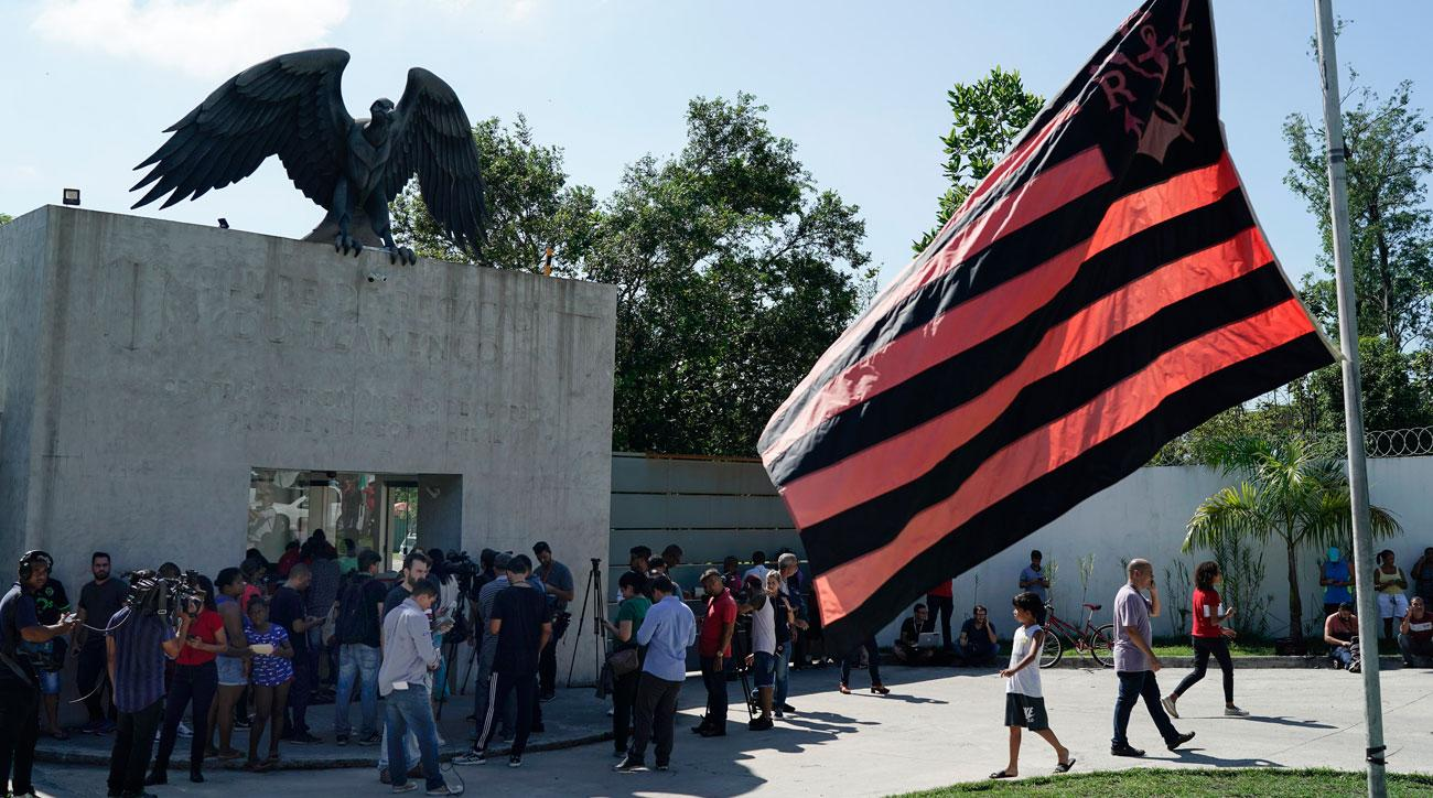A fire at Flamengo's training ground killed 10 people