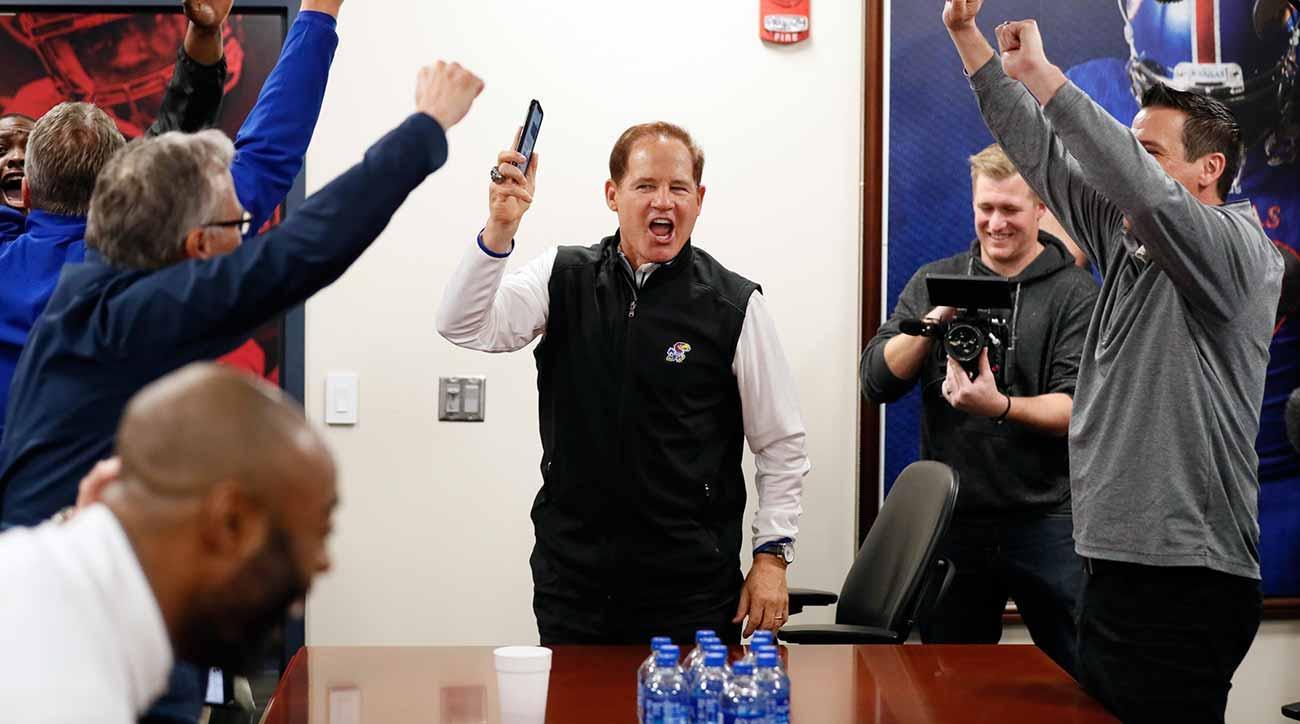 Les Miles: Kansas coach on LSU tenure, recruiting class, signing day