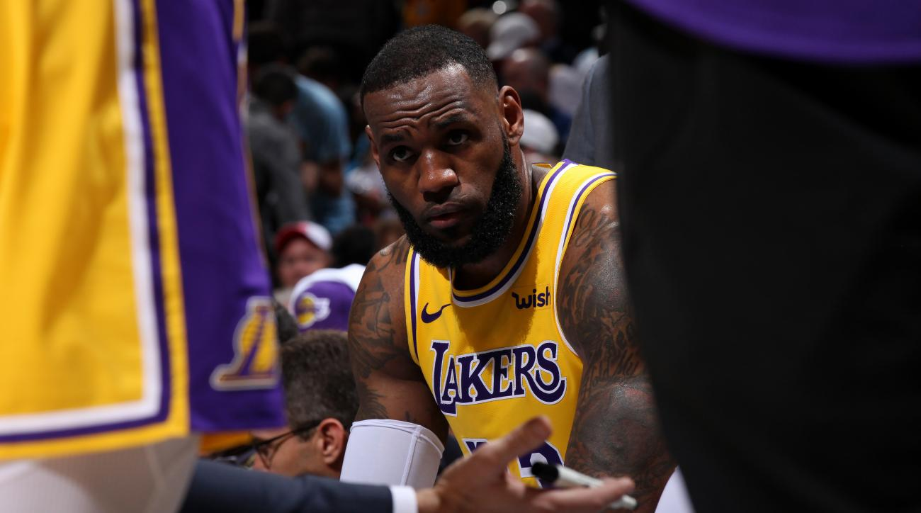 LeBron James: Hawks fans chant 'Kobe's better' at Lakers F (video)