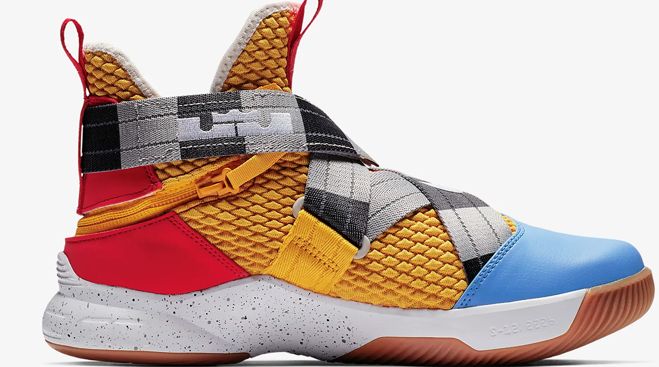 premium selection 83f9e 2e037 LeBron Soldier XII FlyEase gets Arthur meme colorway | SI.com