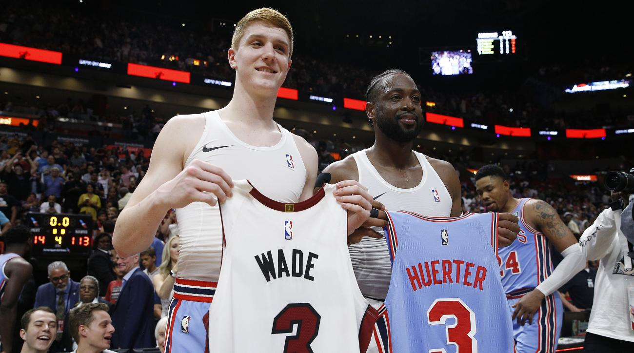 Dwyane Wade swaps jerseys with Kevin Huerter after Heat-Hawks (video)