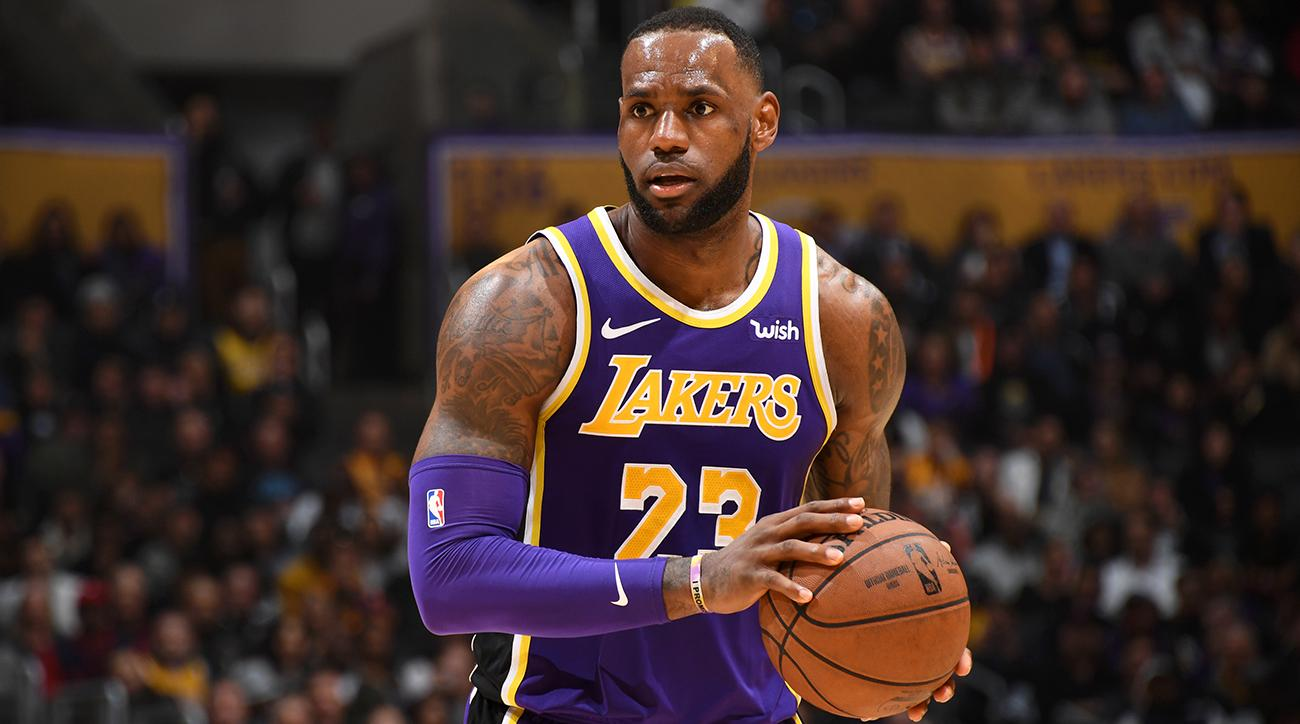 73ab85ba2d7 How LeBron James and the Lakers Should Handle the Rest of the Season