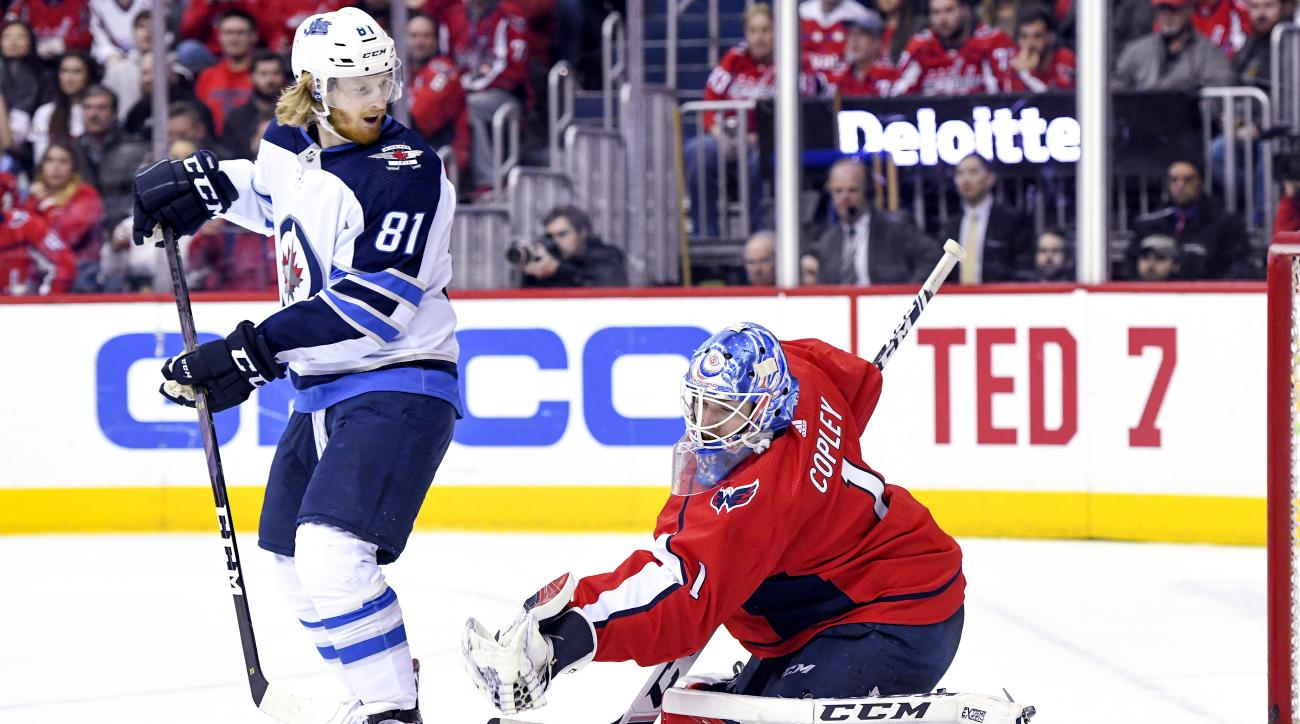 NHL: MAR 10 Jets at Capitals