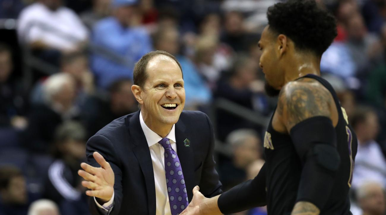 Mike Hopkins, Washington's Upbeat Player's Coach, Has a Method to His Madness