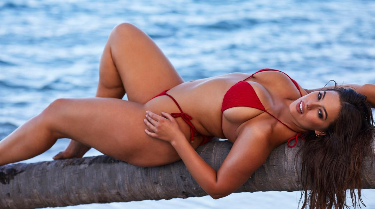 Ashley Graham's Business Role Model Is an SI Swimsuit Legend
