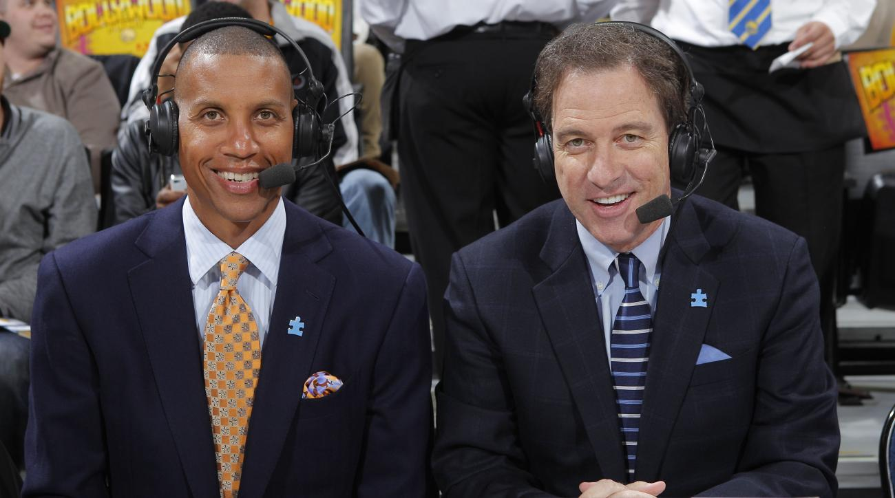 Kevin Harlan's Frosty, Angry Whopper calls (video)