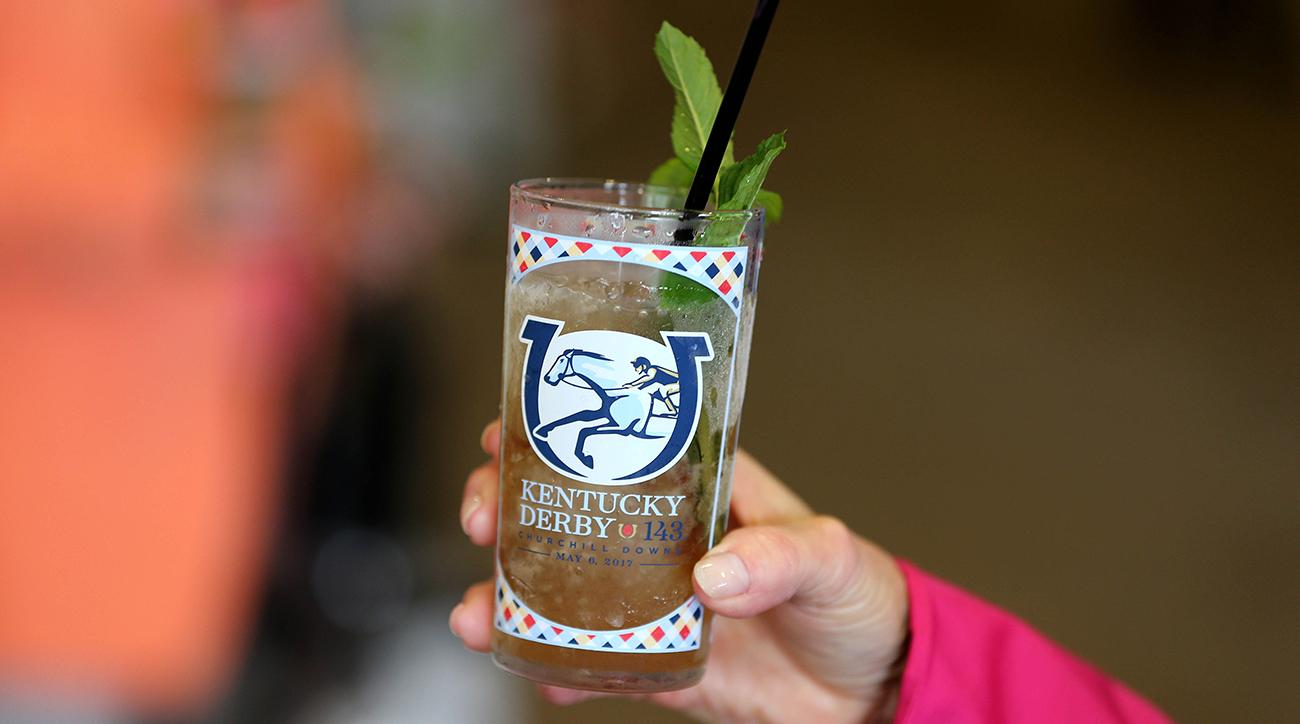 mint julep, mint julep receipe, mint julep ingredients, how to make a mint julep, kentucky derby, 2019 kentucy derby, churchill downs