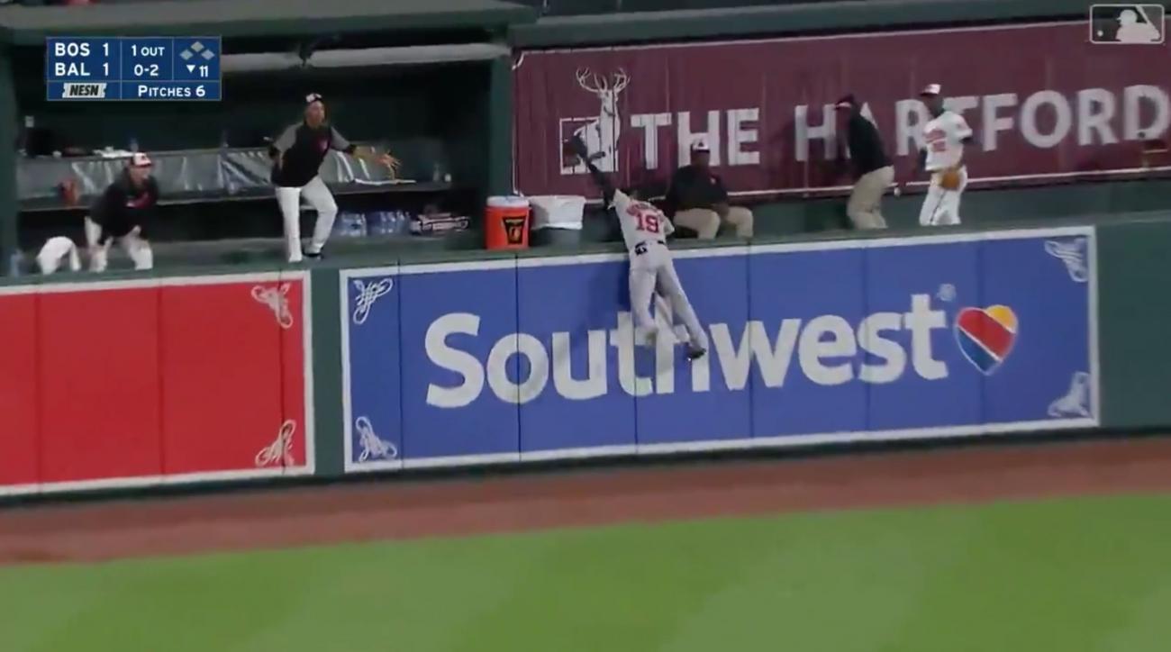 Jackie Bradley jr makes game-saving catch
