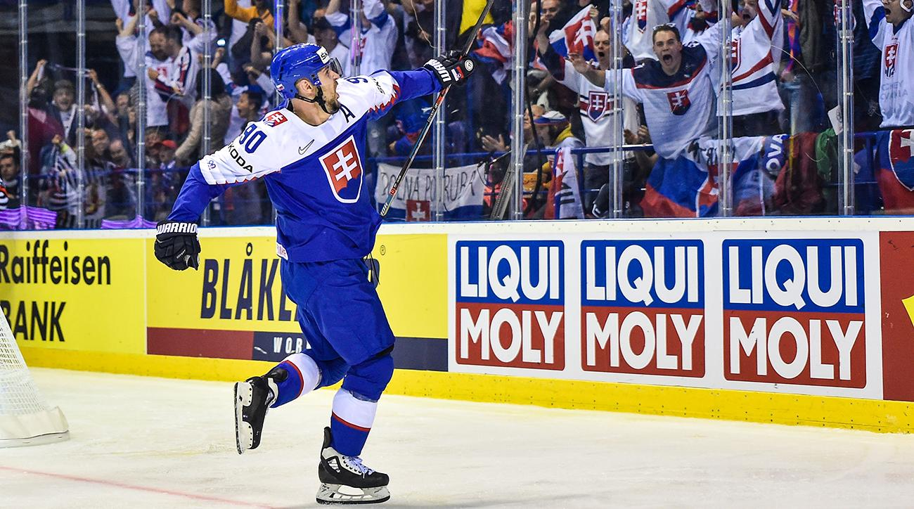Czechs beat Sweden in opening game at hockey worlds