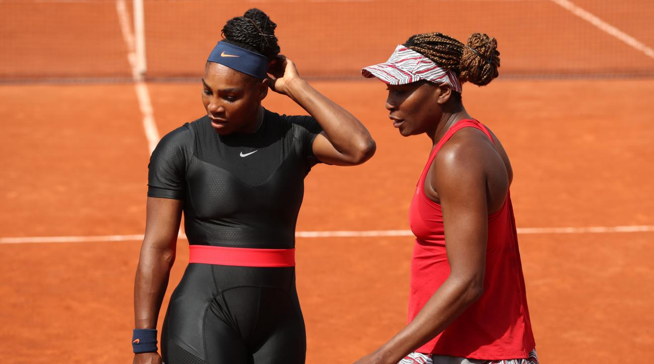 Serena Williams Withdraws From Italian Open Prior to Match vs. Venus Due to Knee Injury