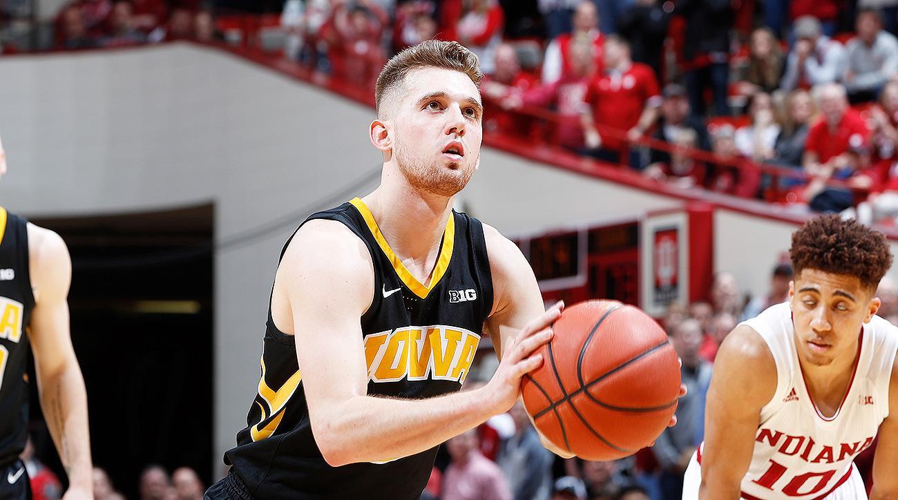 Iowa basketball Jordan Bohannon injury hip surgery news updates