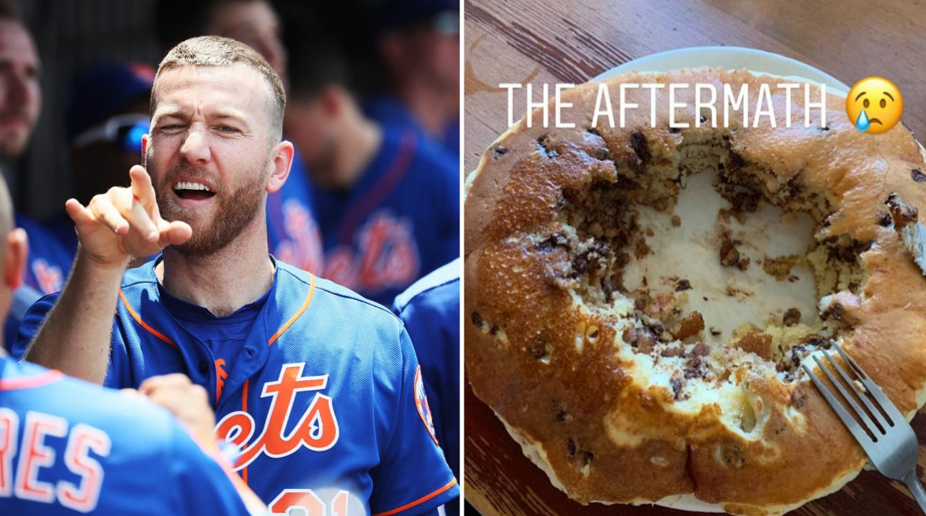 Todd Frazier: Mets 3B eats pancakes in Los Angeles
