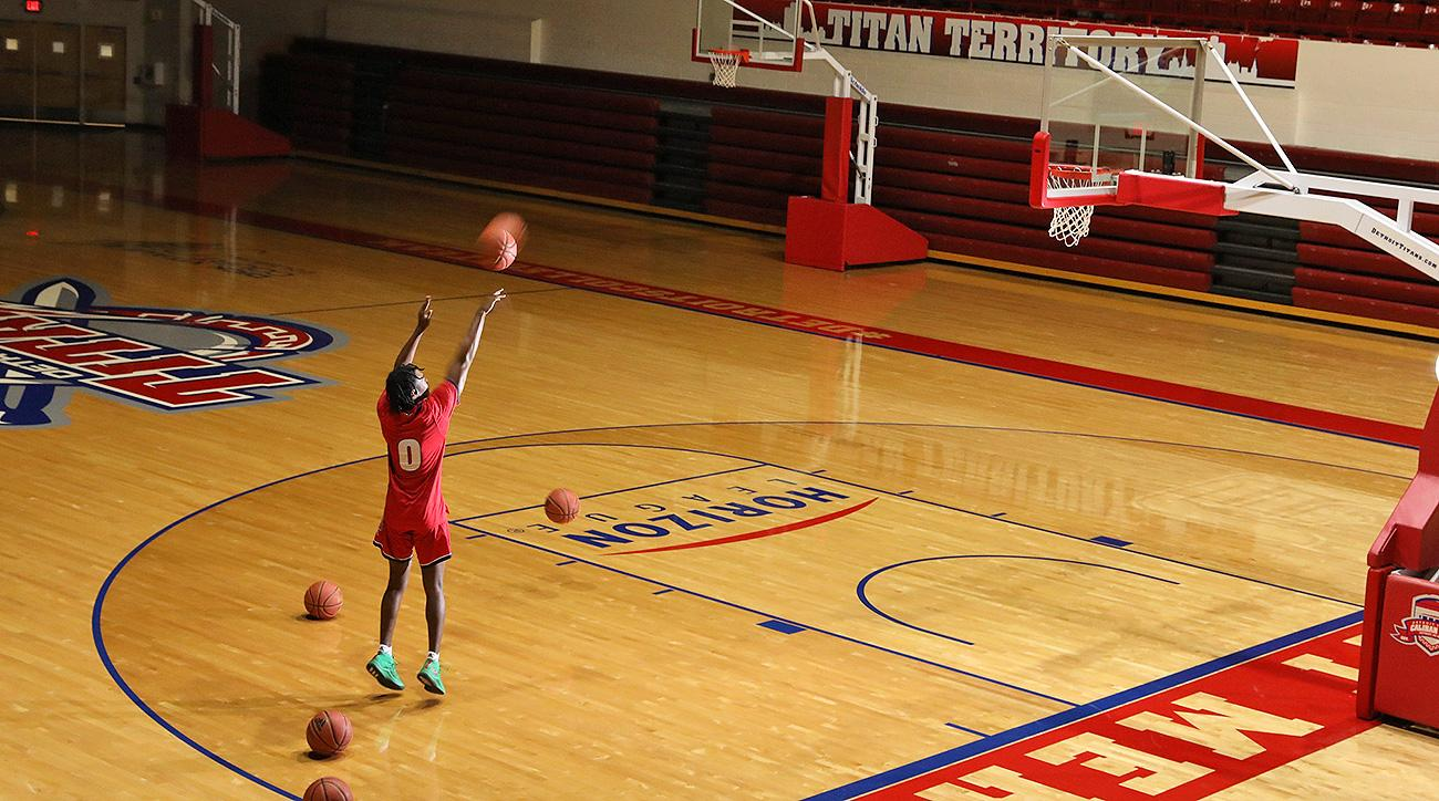 Antoine Davis Detroit Mercy Titans basketball Mike Davis coach Steph Curry NBA