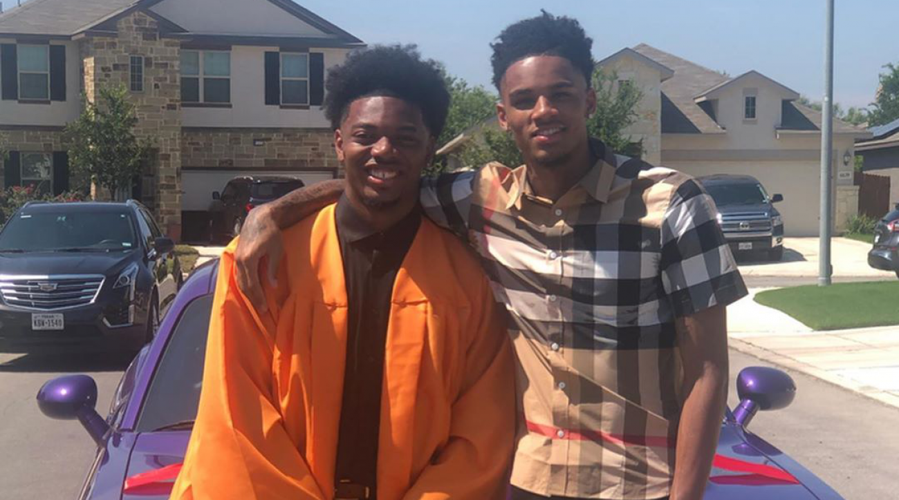 Spurs' Dejounte Murray surprises brother with car (video)