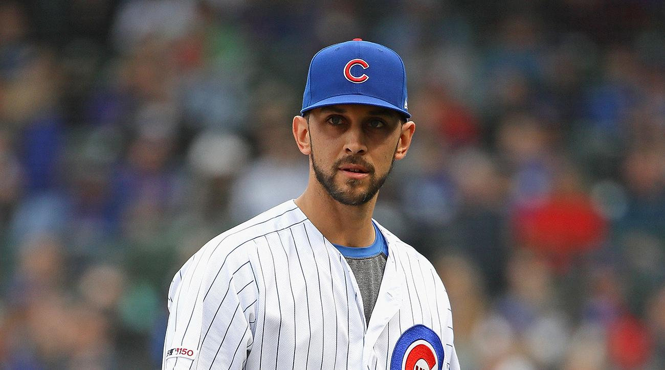 Cubs' Steve Cishek Carted Off the Field After Hit in Knee During Warmups