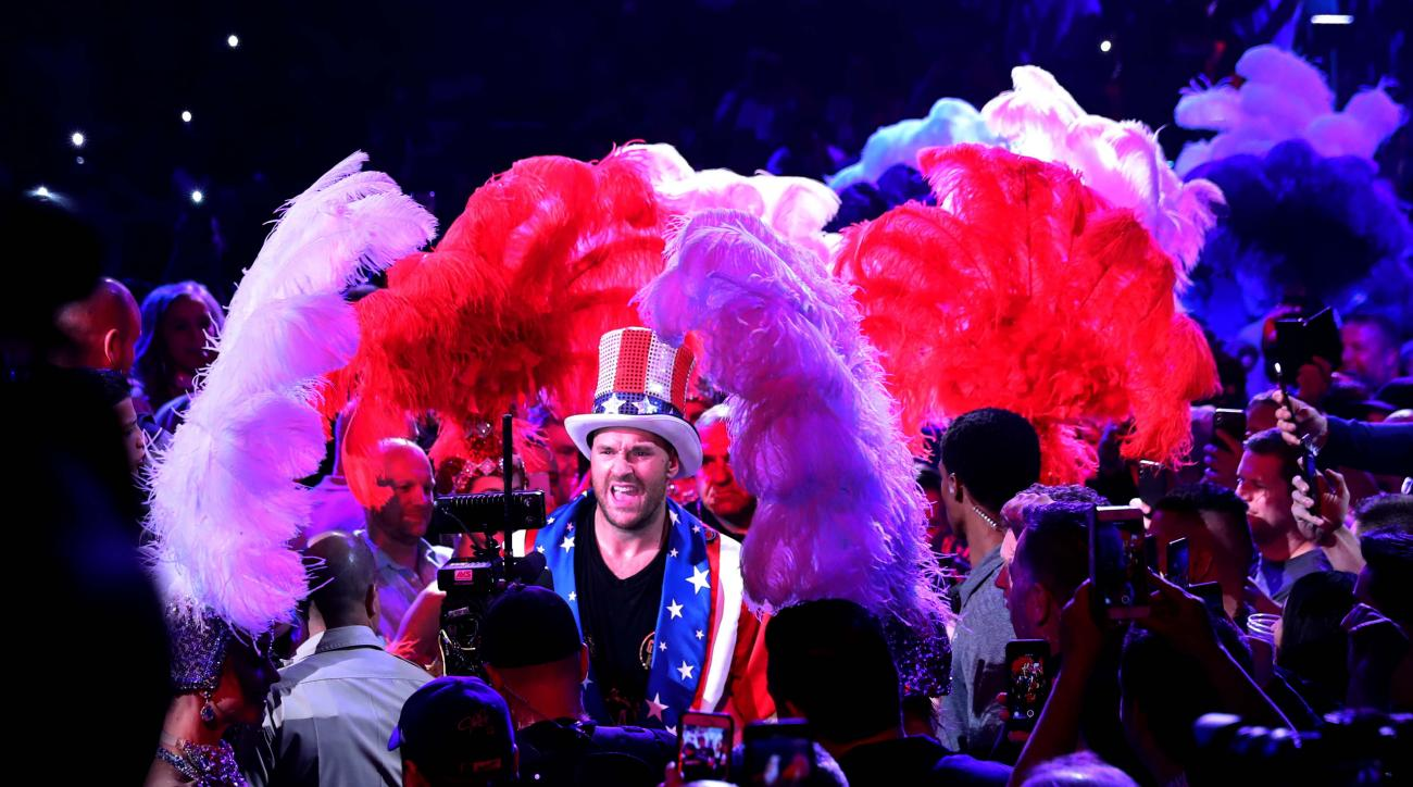 Tyson Fury Gets KOs After Apollo Creed Entrance, Sings Aerosmith to Celebrate