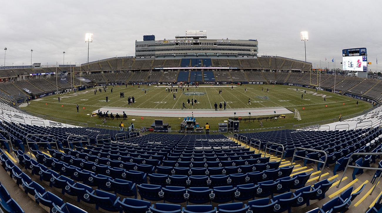 AAC Commissioner Mike Aresco: No Chance of UConn Staying as Football Member