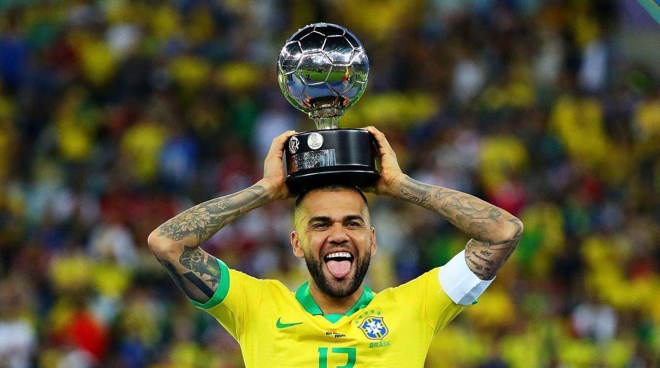 Transfer Rumors: Man United Sets Pogba Deadline; Man City Eyes Dani Alves