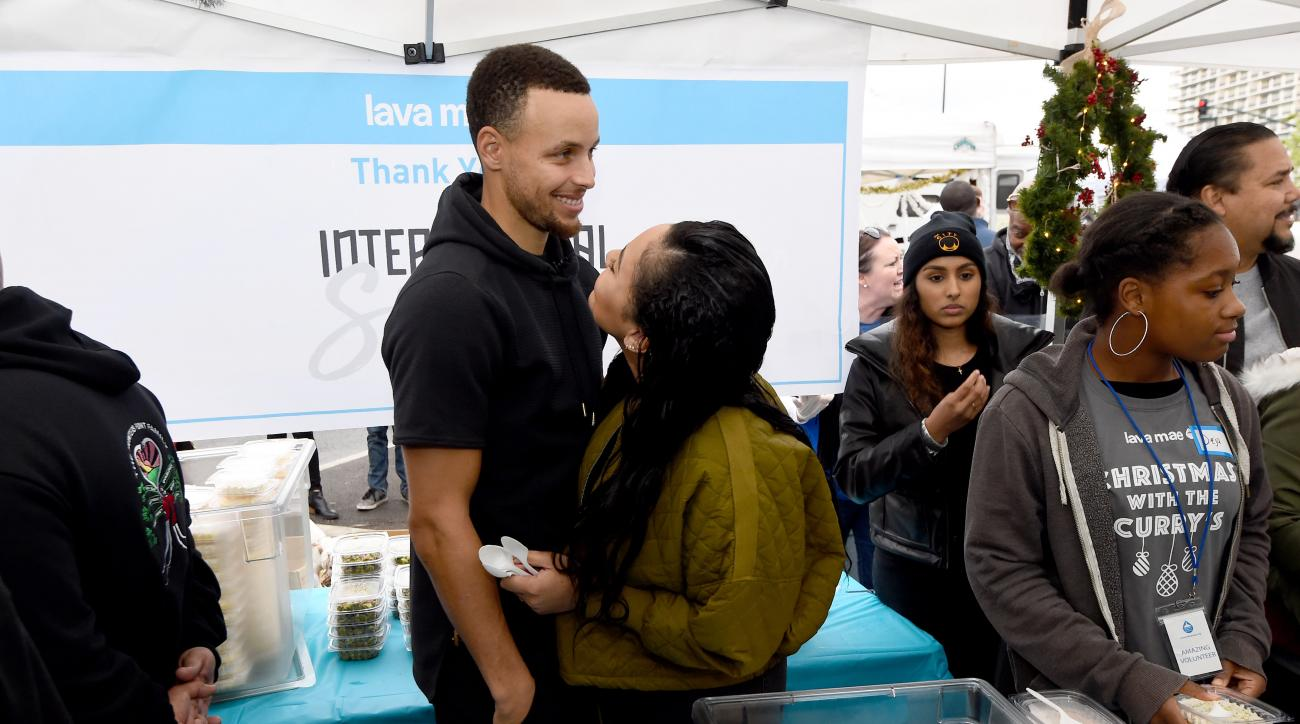 Steph Curry defends Ayesha