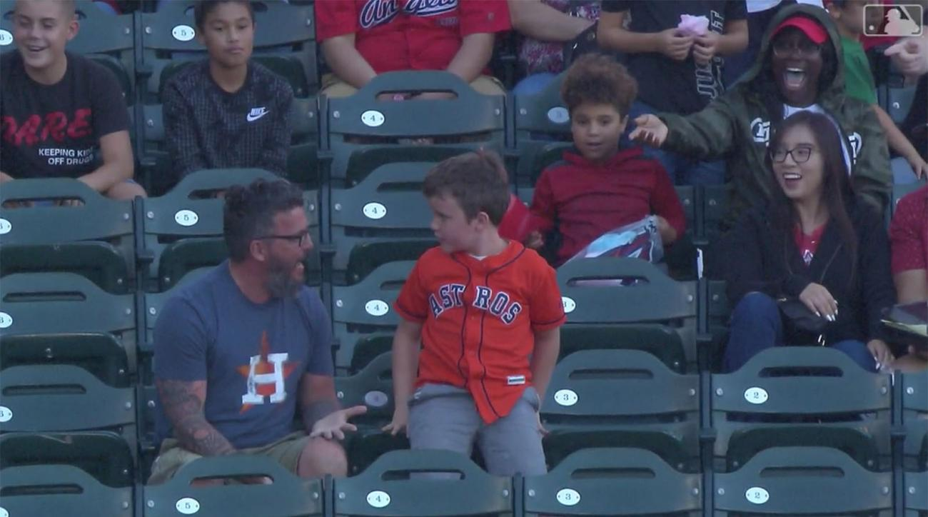 Friday's Hot Clicks: Kid Throws Home Run Back as Disappointed Dad Watches Helplessly