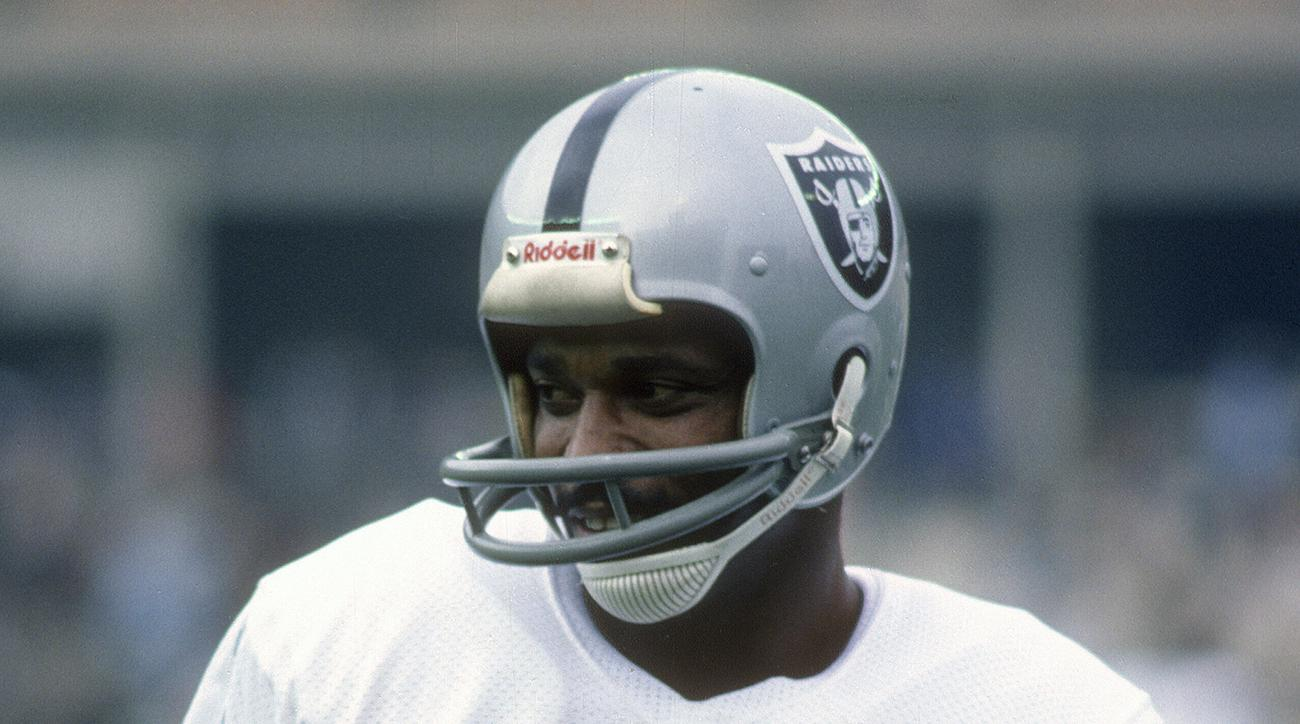 Legendary NFL Wide Receiver Cliff Branch Dies at 71