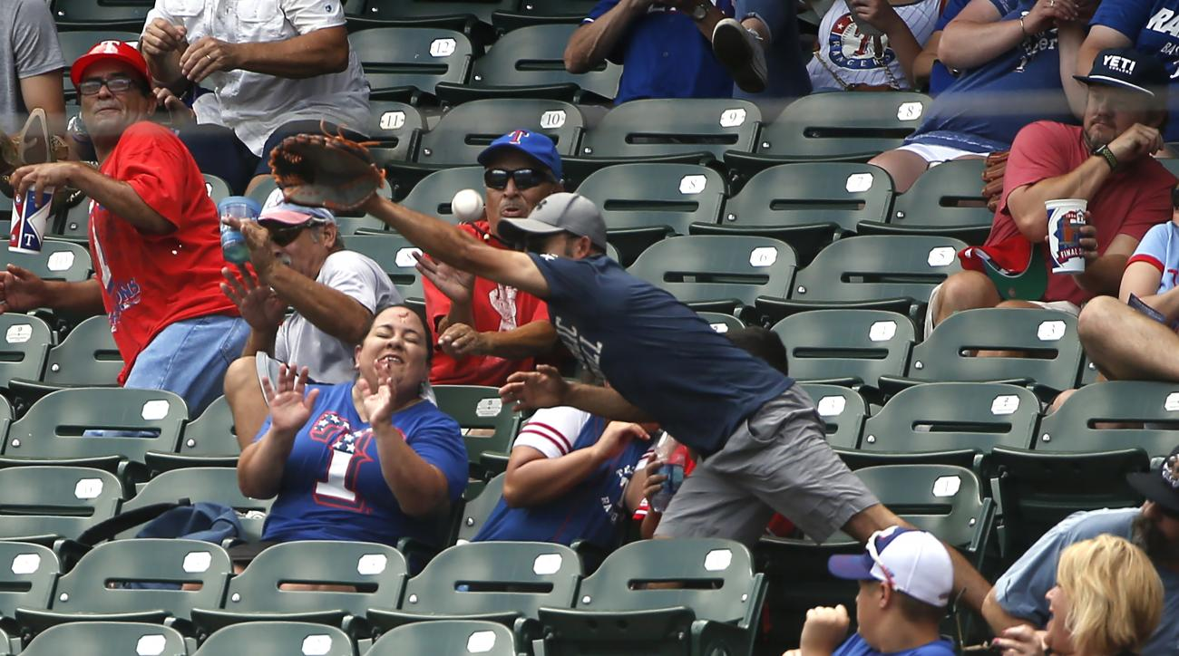 Rangers fan struck by foul ball during Sunday game against Tigers