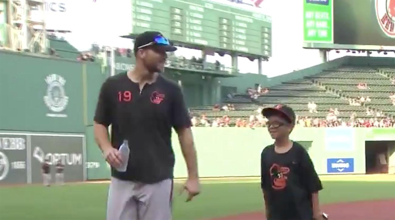 Chris Davis Meets Young Red Sox Fan Whose Heartfelt Letter Helped Him Break Slump