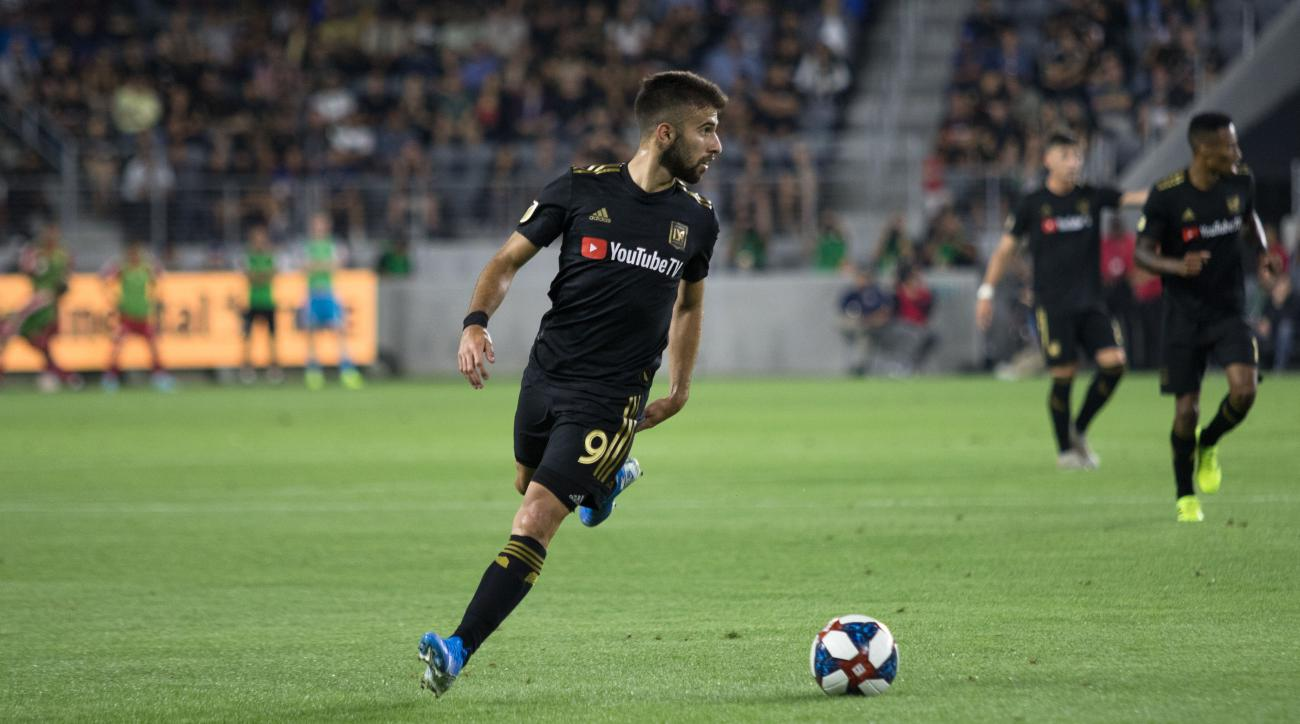 MLS: Rossi goal sees LAFC draw Orlando, Toronto puts 5 past