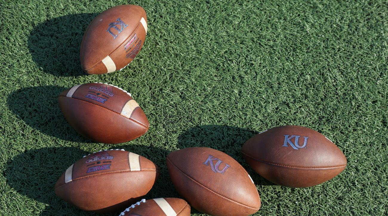 Weekend Hot Clicks: Kansas Football Lives Again!