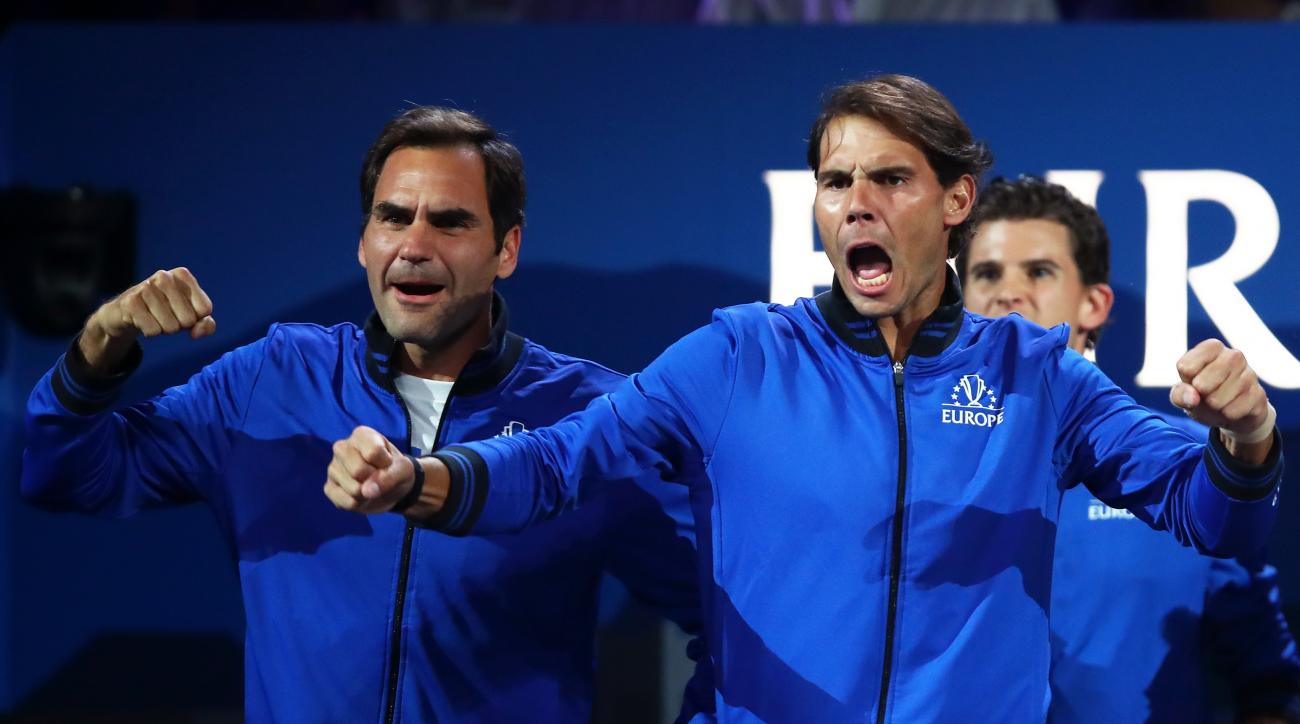 Federer wins with Zverev as Europe leads Laver