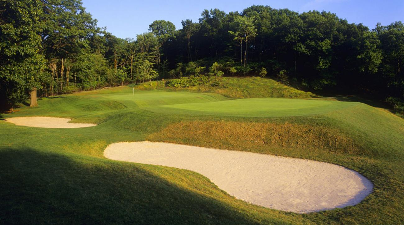 """The signature """"Biarritz"""" 9th green at Yale."""