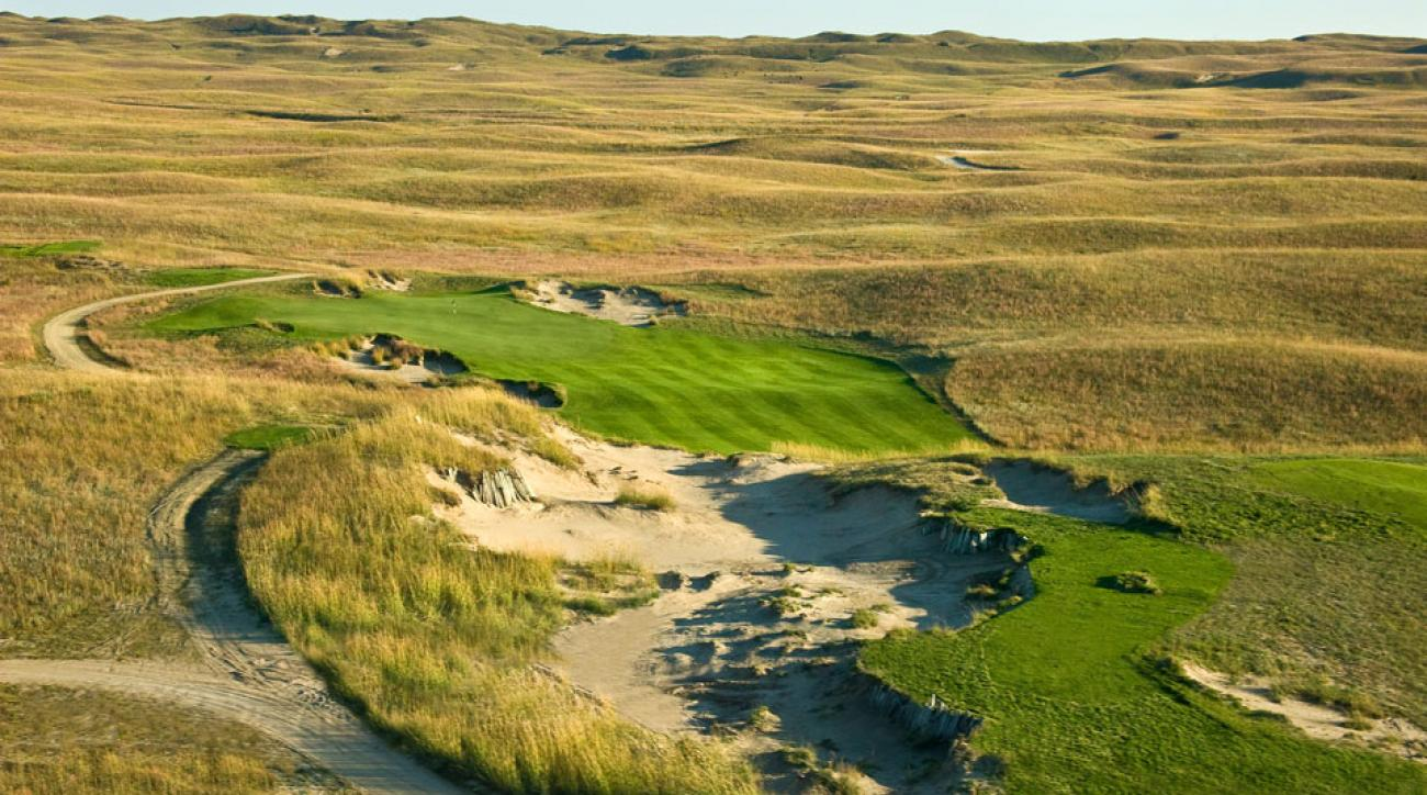 Once completely private, the Dunes alternates daily as public-access with its Pines sibling.