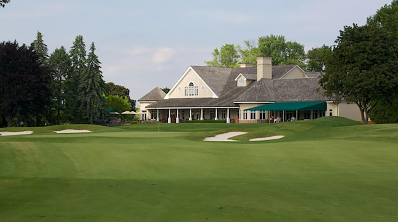 A Toronto golf club is facing backlash after a mother attending a charity event was escorted to the basement to breastfeed her baby.