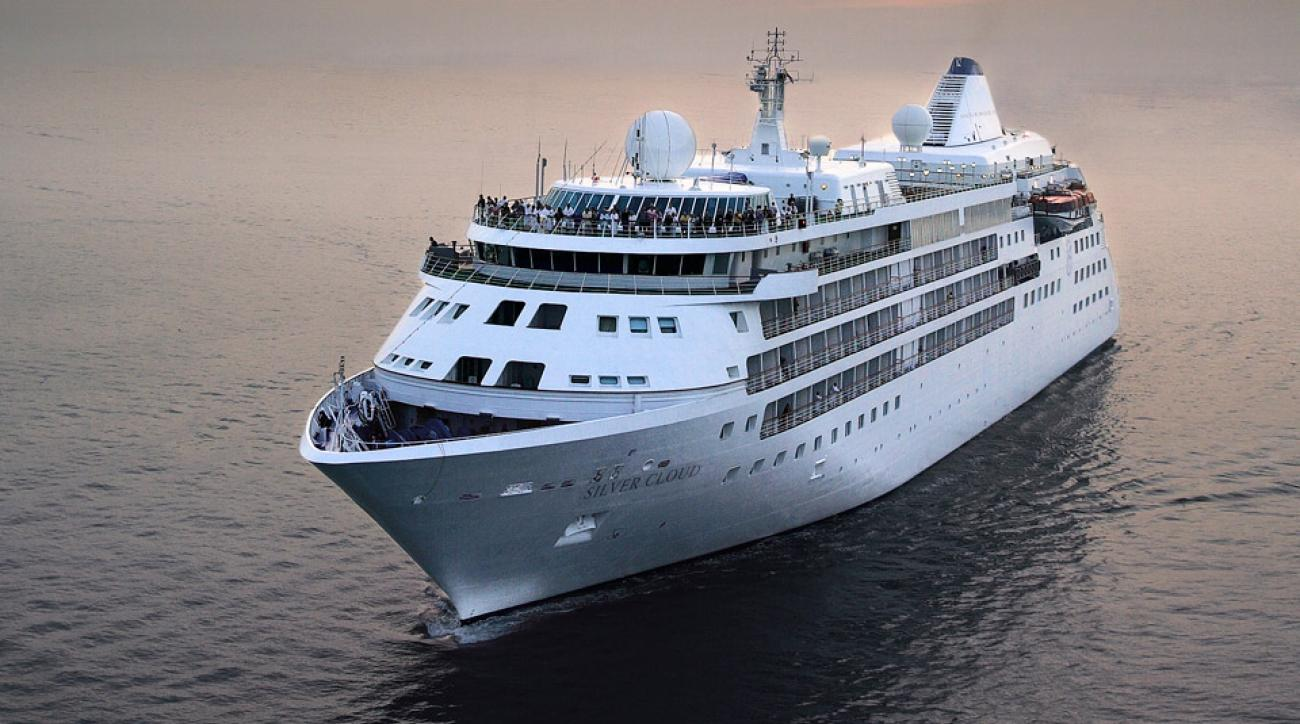 The svelte Silver Cloud is capable of ocean lining or cruising upriver to the heart of great golf in South Africa.