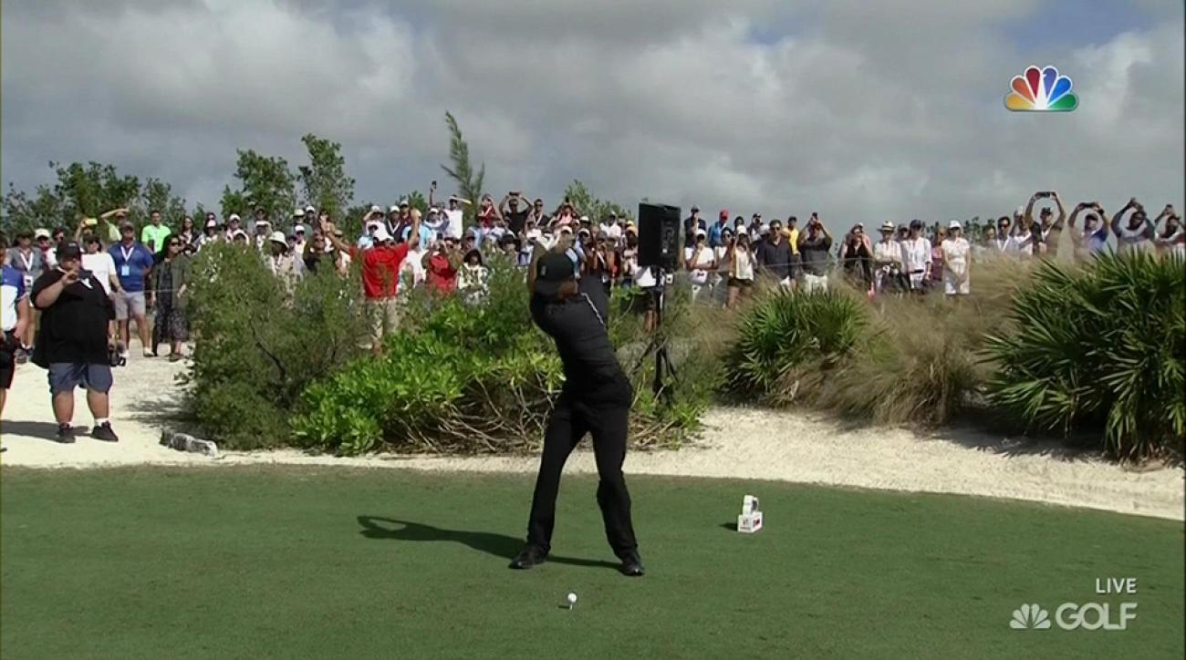 Tiger Woods tees off at the 2016 Hero World Challenge
