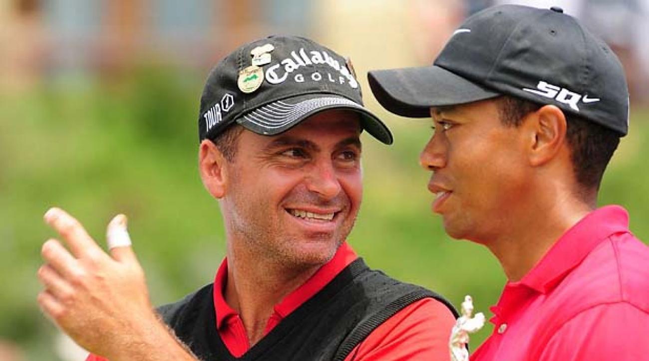 USGA Golf: 2008 U.S. Open                 Monday - playoff                 Tiger Woods with trophy and Rocco Mediate                 Torrey Pines GC, San Diego, CA                 16-JUN-2008                 X80484 TK5                 CREDIT: Robert Beck