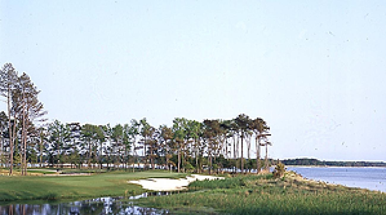 """The 226-yard fourth at Bay Creek's Palmer Course. <span class=""""picturesource"""">Chris John</span>"""