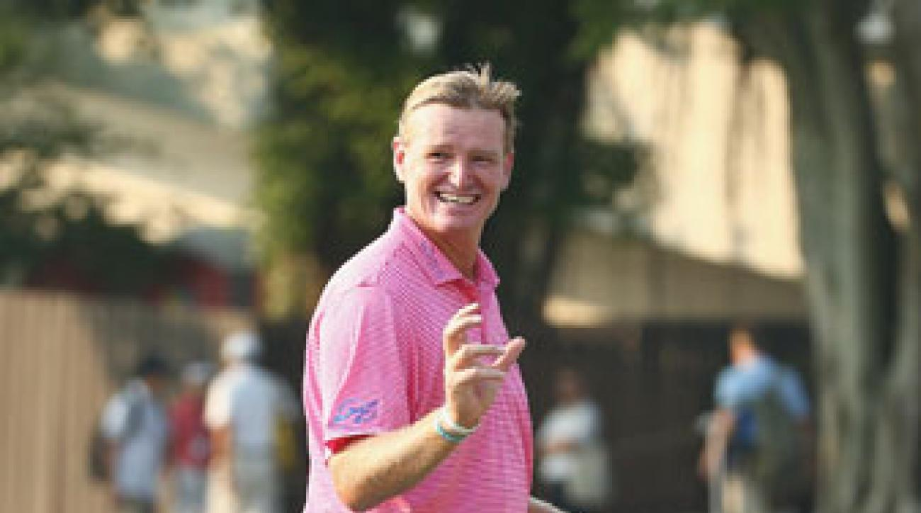 Ernie Els has a two-shot lead in Hong Kong thanks to a 5-under-par 65 on his birthday Friday.