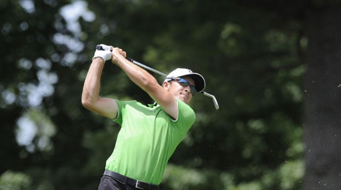 Scott Langley leads the Travelers by a shot headed to the weekend.