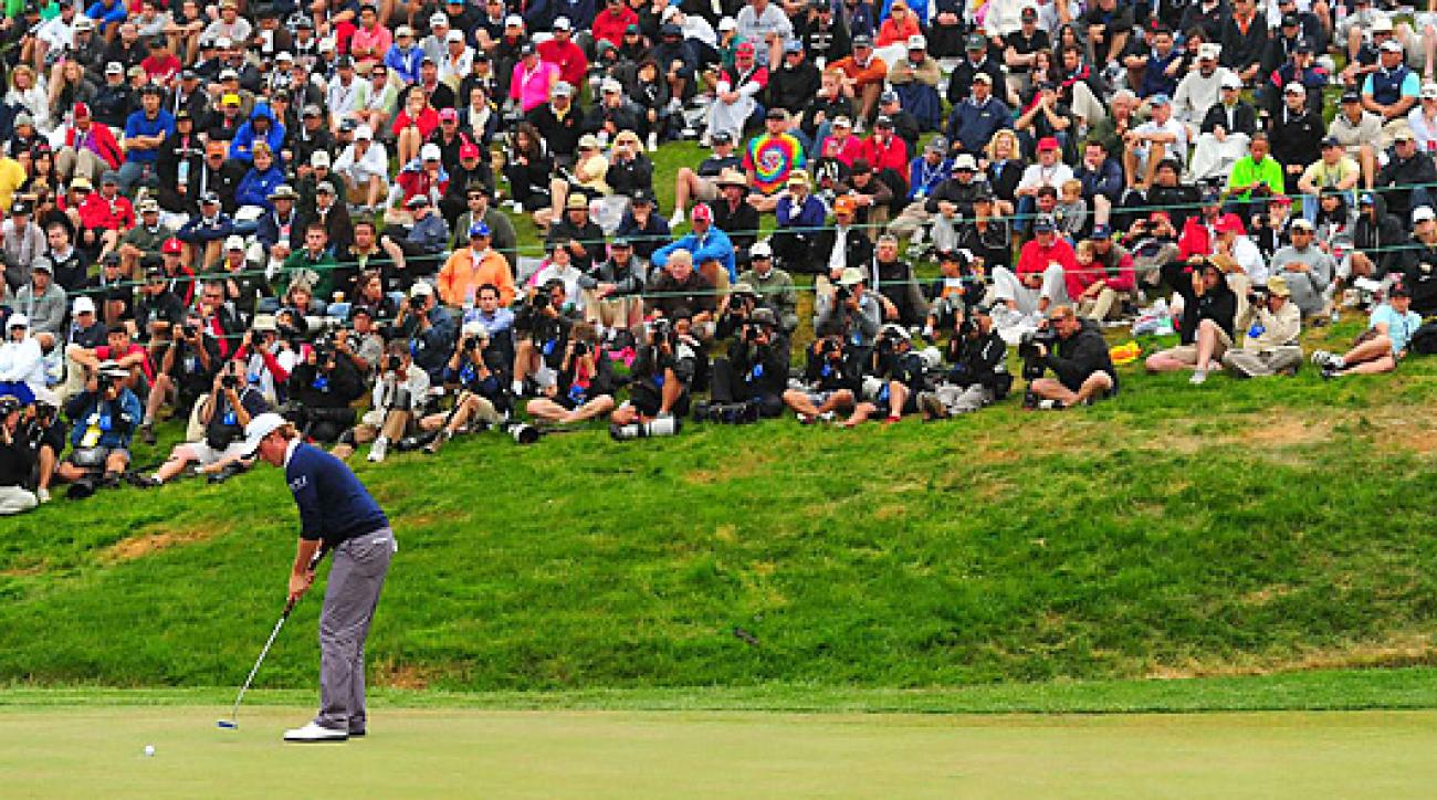 Webb Simpson made this shot putt for par to cap a final-round 68, which would win him the U.S. Open by one shot.